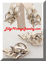 Vintage CORO Golden Leaves Earrings