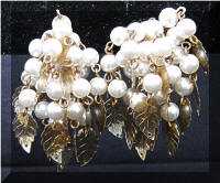 Vintage Dangling faux Pearls Gold tone Leaves Cluster Earrings