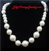 Vintage Capped Faux Pearls Necklace