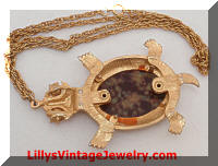 Vintage Articulating Agate Turtle Pendant Necklace