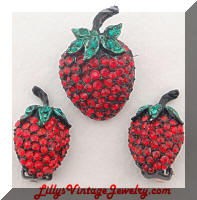 Vintage Yummy Rhinestone Strawberry Brooch Earrings Set