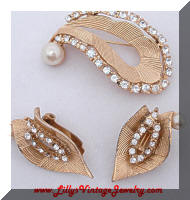 Vintage Gold tone faux Pearls Rhinestones Brooch Earrings SET