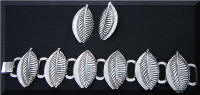 Vintage Silver tone Leaf Chunky Bracelet Earrings Demi Set